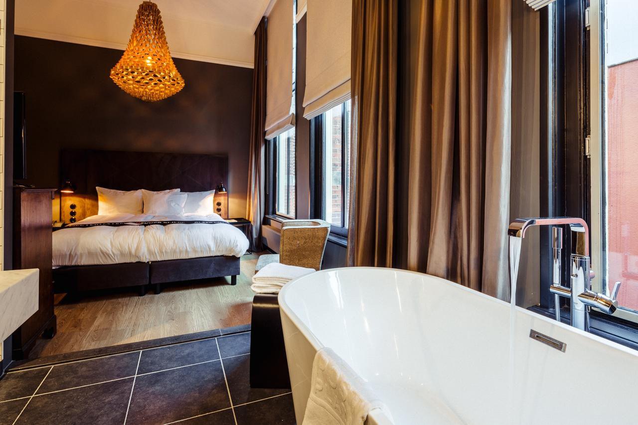 JSPR-Crown-Post-Plaza-Hotel