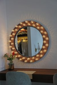 Copyright-JSPR-Halo-Mirror-Light