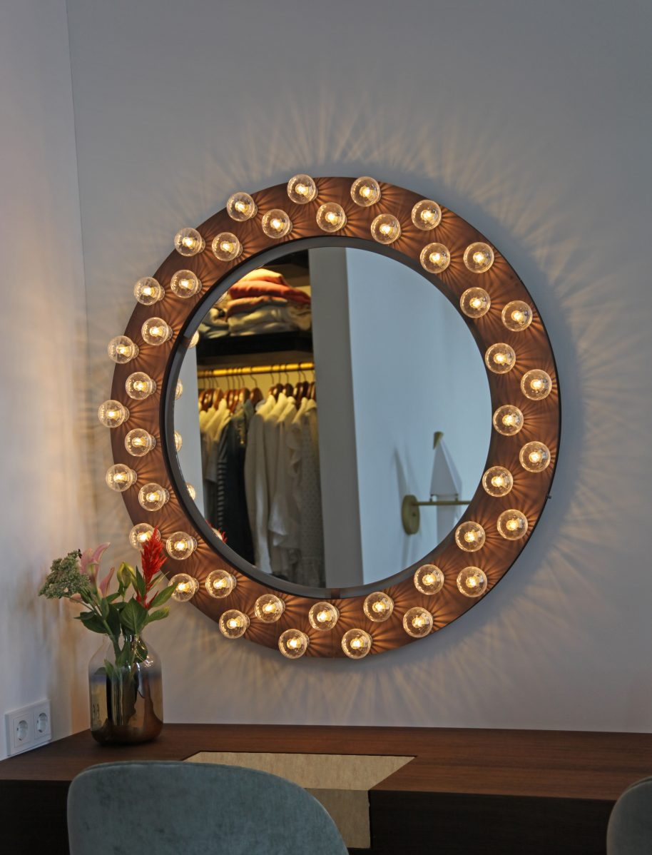 custom-wall-halo-mirror