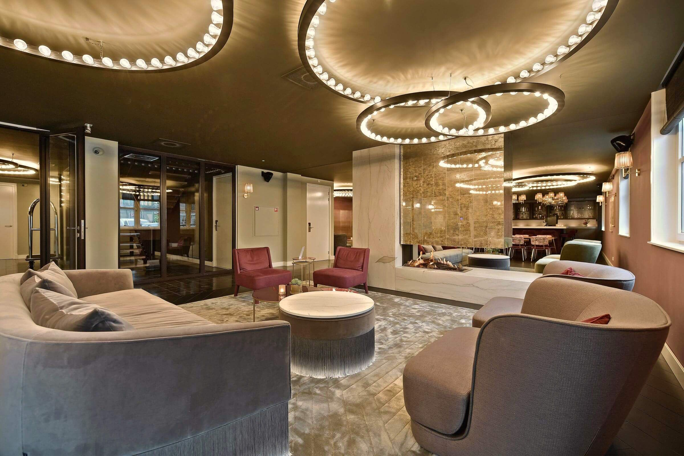 Aurora's @ Zaan Hotel in Zaandam, NL ; Interior by Marco van Veldhuizen ; Photo by Jaro van Meerten