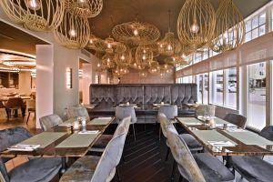Pirouette-lighting-JSPR-Zaan-Hotel-Photo-JarovanMeerten